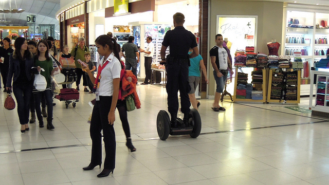 Types-of-security-systems-in-shopping-malls