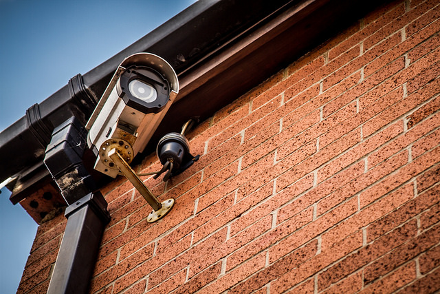 Schools-and-colleges-in-Canada-are-equipped-with-security-systems