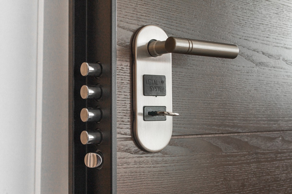 Home's Locking System